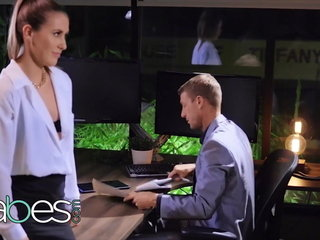 Downcast copier Paige Owens pounded unending by her boss - BABES