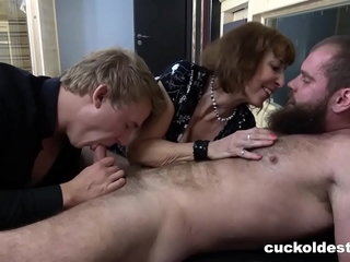 Bromance forth a Band together be incumbent on Cuckold